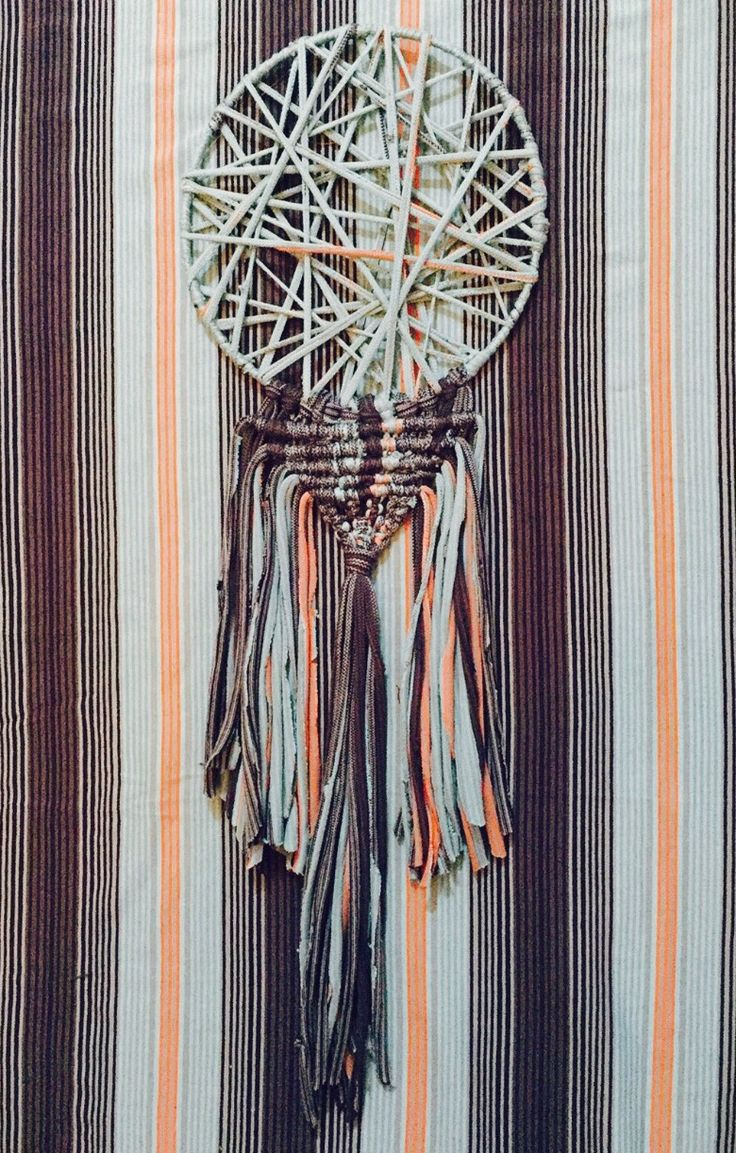 Upcycle Macrame Dreamcatcher.(Unnecessary T-shirt)