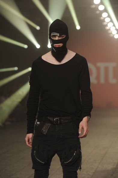 "Robert Kupisz - ""Anarchy"""