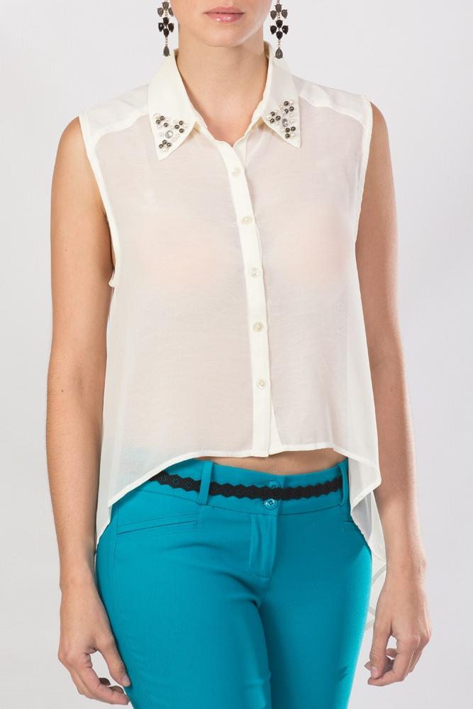 blusa crema transparente. con detalles en el cuello, ideal para una chica KAMI