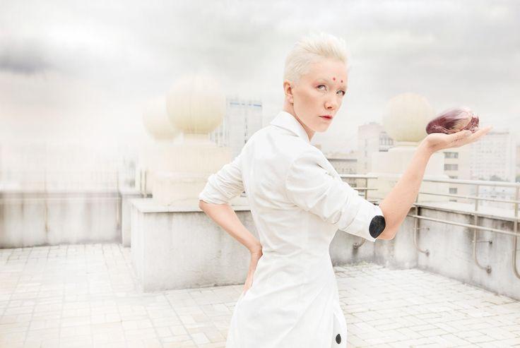 Дарья Мороз: «Я довольно специфическая артистка» Актриса театра и кино Дарья Мороз — в необычной «самурайской» фотосессии и доверительном интервью журналу ОК!