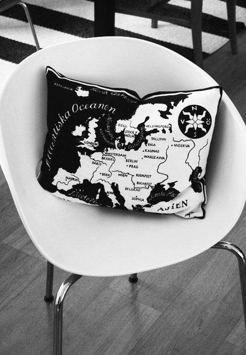 Via Pethra Etc | Svenskt Tenn Cushion | Black and White