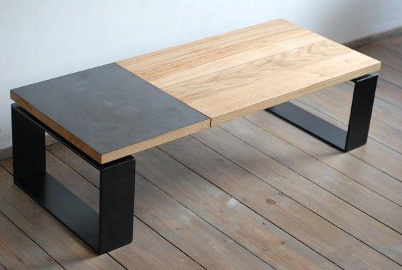 Plaque de laiton recyclée et chêne table basse