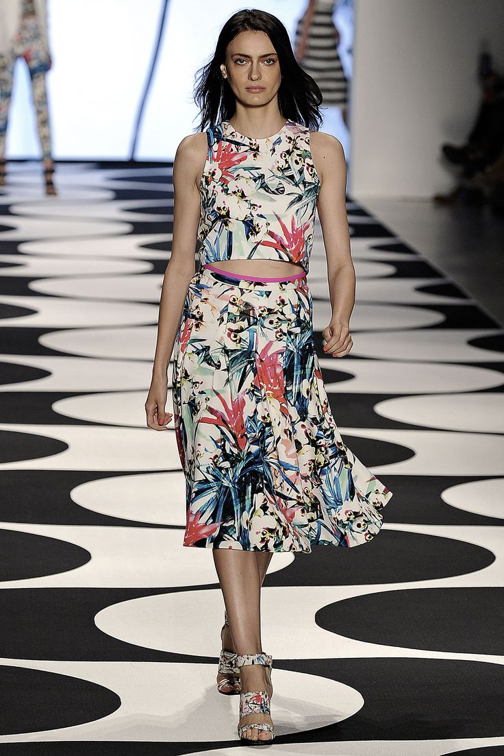 Nicole Miller Spring 2015 Ready-to-Wear - Collection - Gallery - Style.com