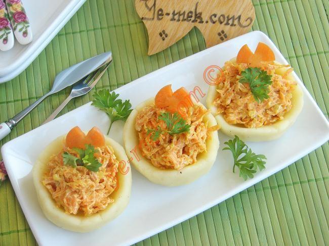 Patates Çanağında Havuç Salatası Resmi