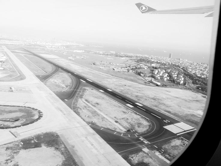 İstanbul Ataturk Airport Runway
