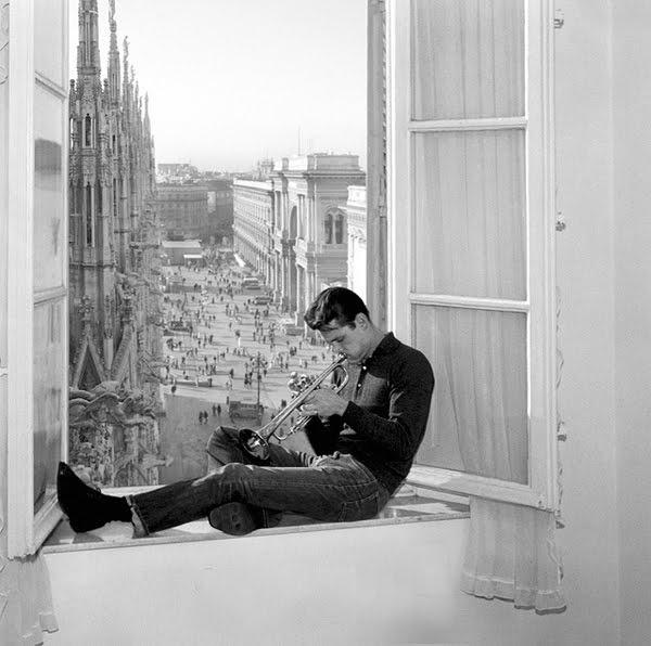 Chet Baker in Milan.: Music, Photos, Milan, Window, Jazz, People, Chet Baker