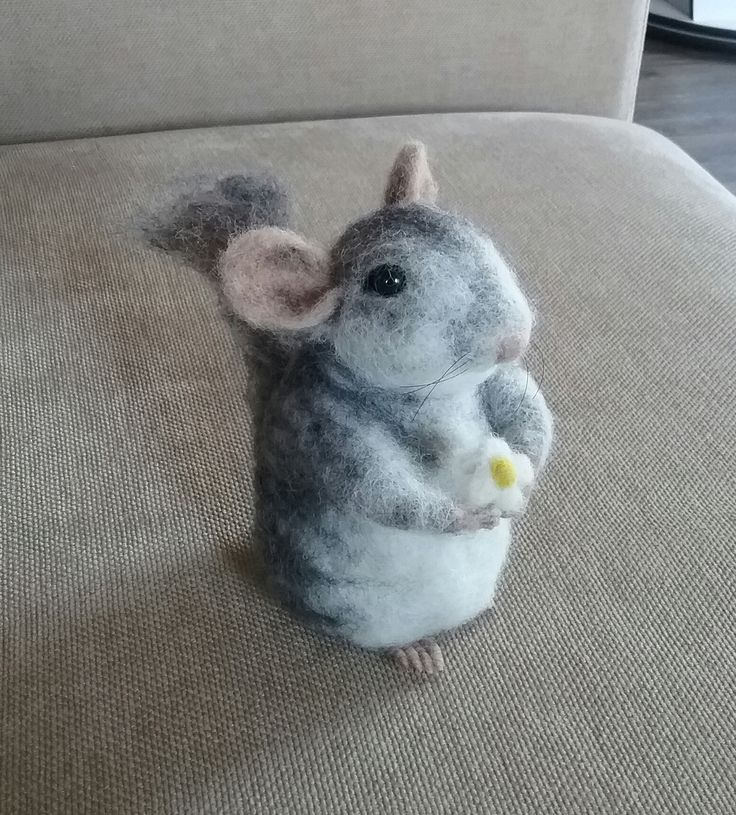 Needle felted chinchillà by Thedustyrabbit