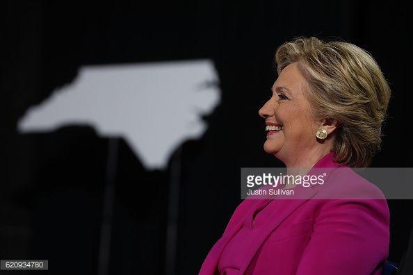 News Photo : Democratic presidential nominee Hillary Clinton...