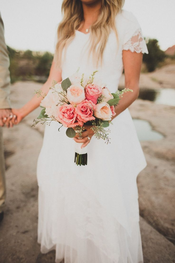 bride and flowers peony peonies garden rose tool wedding dress with lace wedding picture