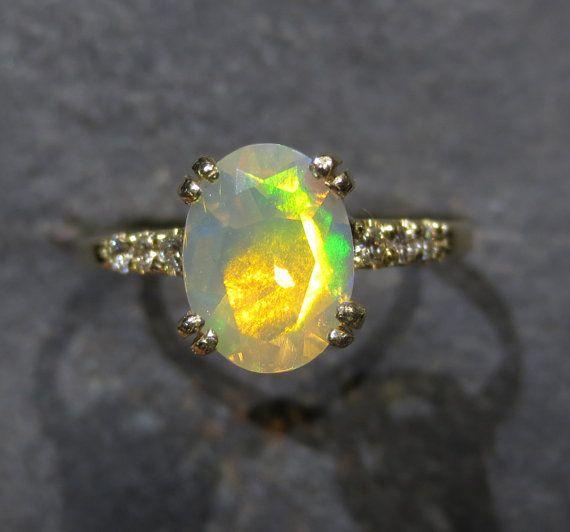Bague opale éthiopien véritable diamant Accents  par ZoZoDesignsUSA