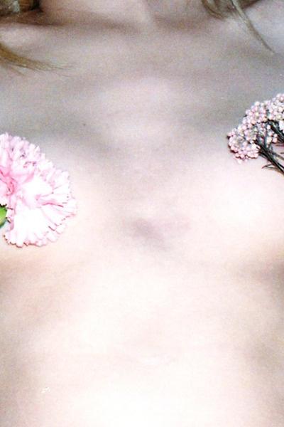 Anna Kiebiesz: Flowers Pale, Body, Pink Flowers, Nude, Anna Kiebiesz, Anna Kieblesz, Dresses, Posts, Floral