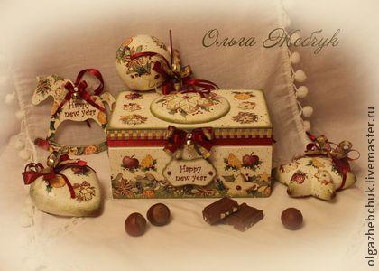 """Набор ёлочных игрушек в шкатулке""""Сладкого Нового года"""" - бордовый,ёлочные игрушки"""