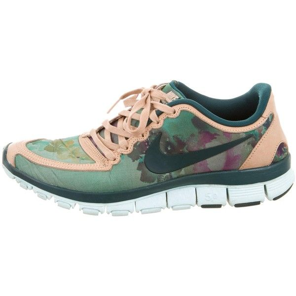 Pre-owned Liberty x Nike Free 5.0 Floral Camo Print Sneakers ($75) ❤ liked on Polyvore featuring shoes, sneakers, green, green shoes, nike trainers, leather sneakers, perforated leather sneakers and woven leather shoes