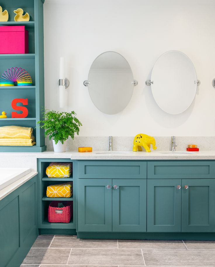 Before and After Bath: A Versatile, Kid-Friendly Space – kids' bathroom