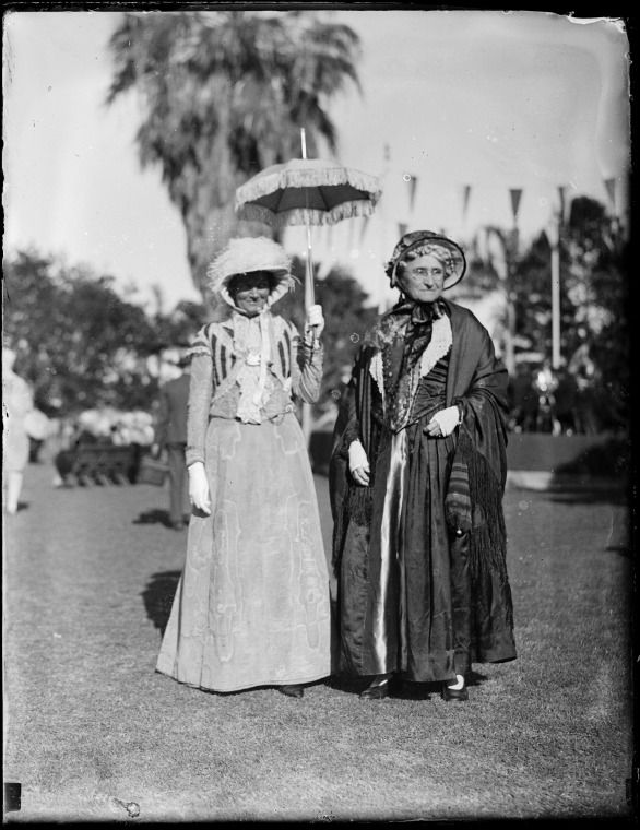 016504PD: Mrs J. W. Bateman and Mrs Edith Cowan at the Lord Mayor's garden party at Queen's Gardens, 1929.  http://encore.slwa.wa.gov.au/iii/encore/record/C__Rb2523782__S016503pd__Orightresult__U__X3?lang=eng&suite=def