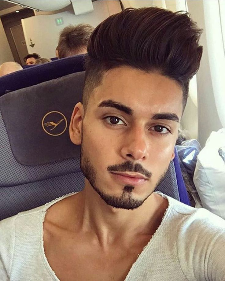 Mens Hairstyles With Beards 34 cool short hairs for men Hairstyles With Beards Mens Hairstyles With Beards Best Hairstyles With Beard Short Hairstyles