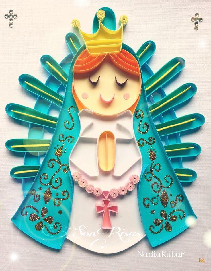 Virgencita de Lujan, detalles de rosario rosa y manto con dorado