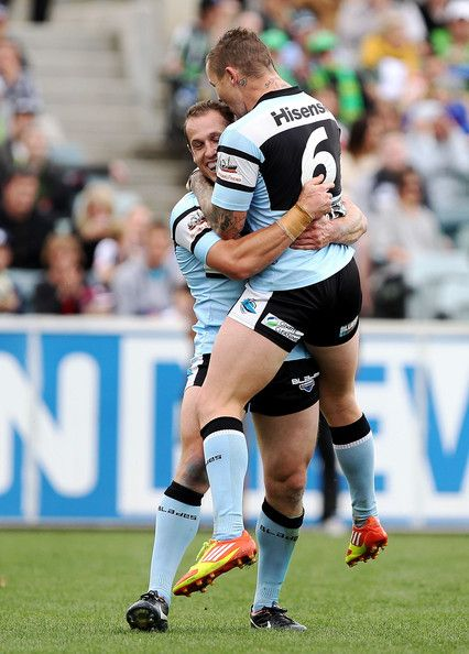 NRL: Cronulla Sharks defeat the Canberra Raiders - 44-22 - Todd Carney  http://footyboys.com