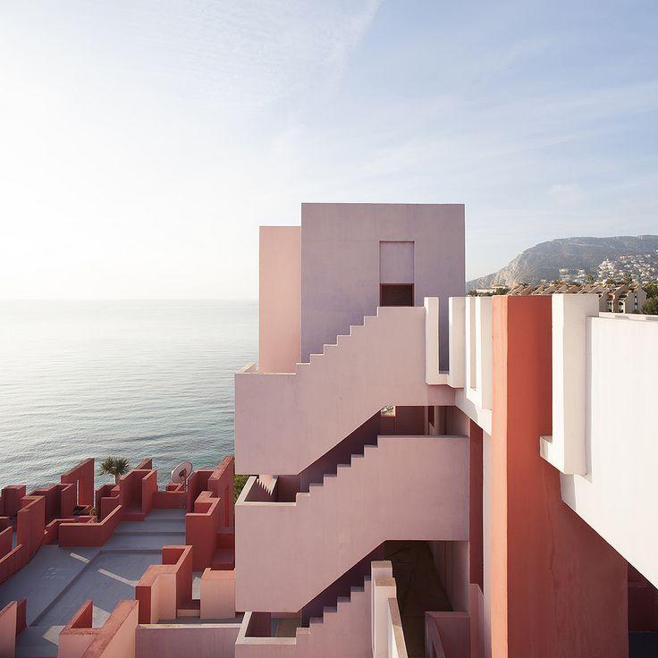 La Muralla Roja, Ricardo Bofill, Calpe, Spain