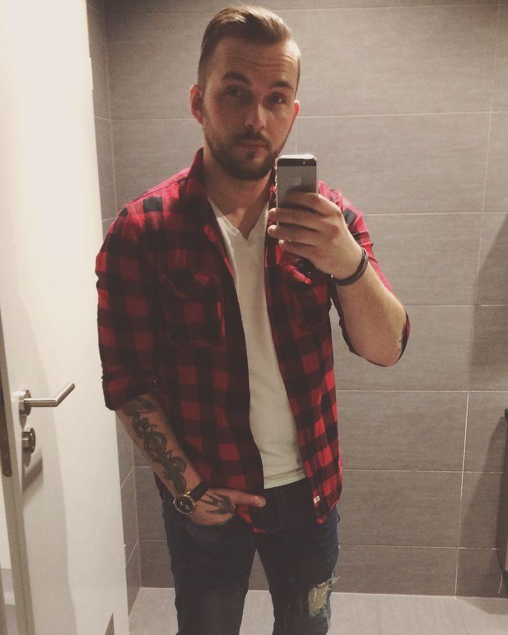 Men style me fashion red tattoo #beardedmen