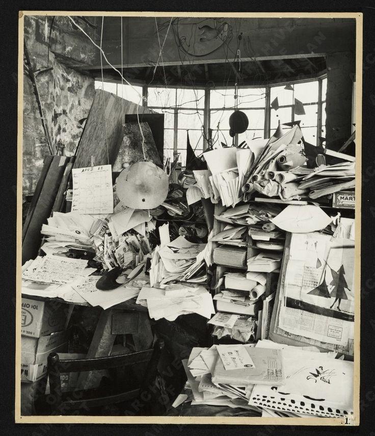 Alexander Calder's 'Mailbox'