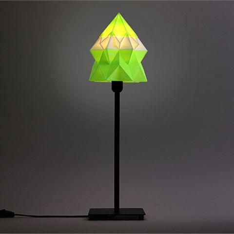 Free Origami Table Lamp STL model, DDDeco• Download on https://cults3d.com • #3Dprinting #3Dprint #3Ddesign #STLmodel #3Dmodel #3Dprinter #Impression3D #Imprimante3D #Fichier3D #Design #3Dmodeling #3D
