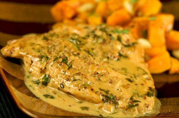 Mustáros hagymás csirkemell, tejszínes szósszal, mámorító különlegesség fél óra alatt!