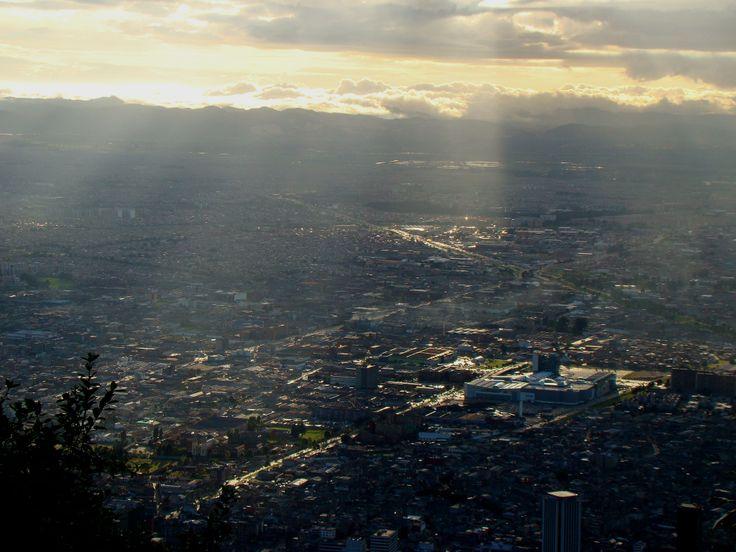 Atardecer bogotano visto desde Monserrate, Bogotá D.C. Colombia