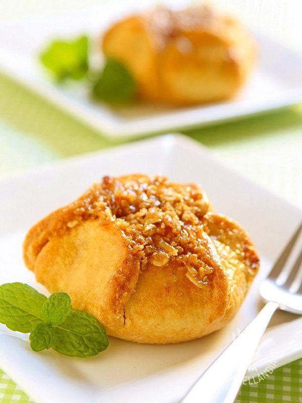 Le preparazioni Vegan non sono solo sane, sono anche gustosissime e belle da vedere. Questi ottimi Fagottini di mela vi faranno fare un figurone!