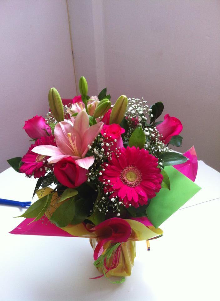 Ramo QDF de flores rosas enviado el 26 de junio. #regalarflores #enviarflores