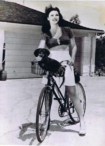 Vicky Lane riding.