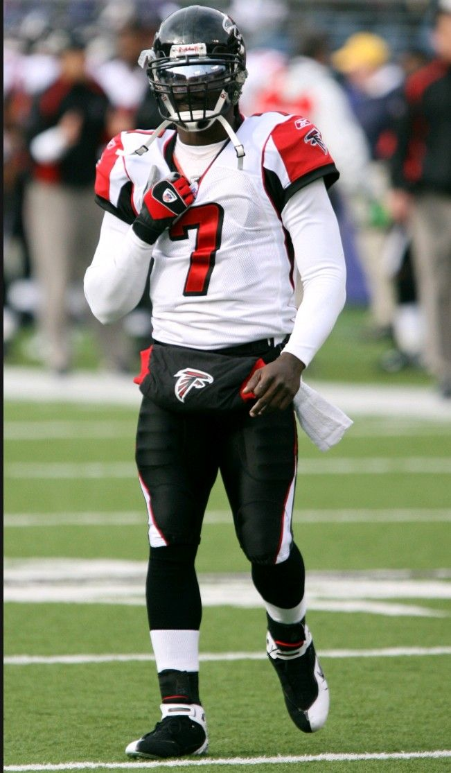 Michael Vick Michaelvick Vick V7 Nfl Falcons Atlanta Falcons Football Nfl Football Art Falcons Football