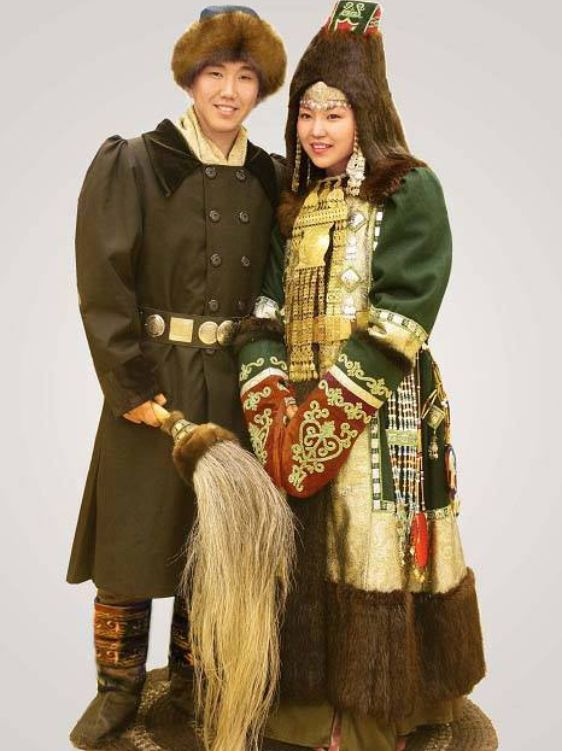 Traditional Yakutian clothing for both men and women consists of short leather trousers and a single breasted caftan which is made of fur for winter use and horse or cow hide for summer