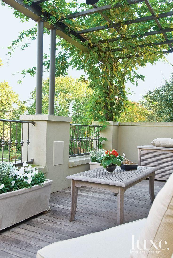 Neutral Contemporary Backyard Deck