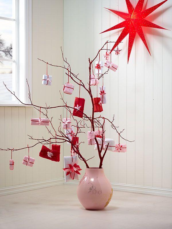 Marianne de Bourg - Ingeniørfruen redder verden med pakkekalender i rosa og rødt