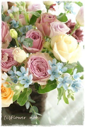 『【今日の贈花】お誕生日のお食事会』 http://ameblo.jp/flower-note/entry-11652132564.html