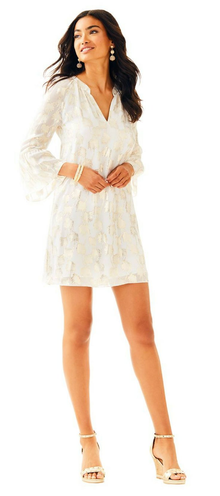 Looking for a long sleeve tunic dress? Search no more- the Matilda Silk Tunic Dress is a party dress with flouncy sleeves and metallic palm tree details. We love being best dressed at any event! Lilly Pulitzer Matlida Silk Tunic Dress #LillyPulitzer #OutfitoftheDay #WinterOutfits #WomensFashion #affiliate #SummerOutfits #DresstoImpress #SpringOutfits #OutfitGoals #CasualDress #WorkOutfits #ValentinesDayOutfits #DateNightOutfits