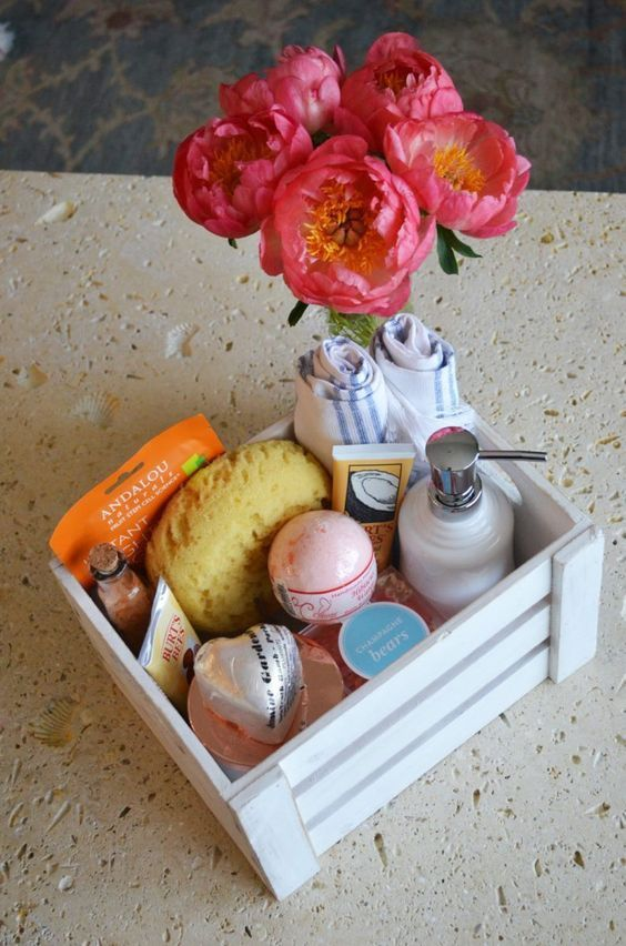 diy spa in a box, mother's day gift diy, relaxation kit Spa Day Gifts, Diy Spa Day, Diy Mothers Day Gifts, Mother's Day Diy, Diy Gifts Cheap, Easy Handmade Gifts, Diy Crafts For Gifts, Cute Birthday Gift, Birthday Gifts For Best Friend