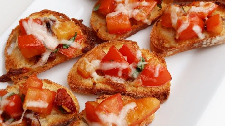 Ingredients 6 roma (plum) tomatoes, chopped 1/2 cup sun-dried tomatoes, packed in oil 3 cloves minced garlic 1/4 cup olive oil 2 tablespoons balsamic vinegar 1/4 cup fresh basil, stems removed 1/4 …