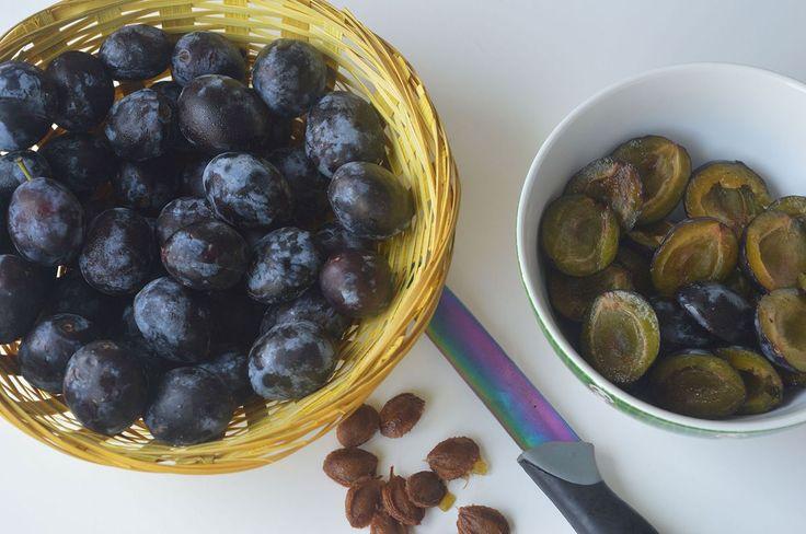 3 lahodné domácí sirupy bez chemie: ze švestek, jablek i máty - Hobby