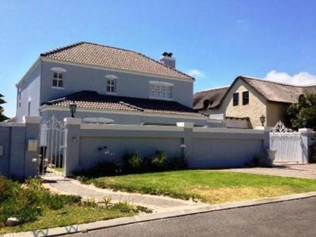 3 bedroom house for sale in Kommetjie for R 2195000 with web reference 571661 - Jawitz Kommetjie