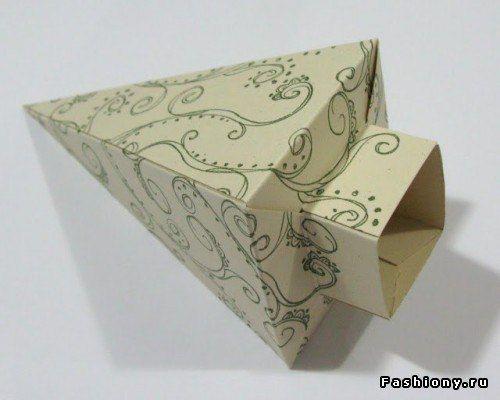 Елка - поделка из цветной бумаги для детей