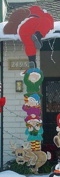 Christmas Yard Decorations & Displays