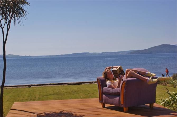 Lounge to Lake - Water's Edge, Lake Rotorua
