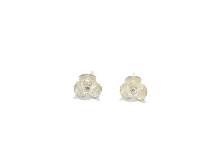 Fiore Mini, Silver studs with white saphire / zilveren oorstekers met witte saffier