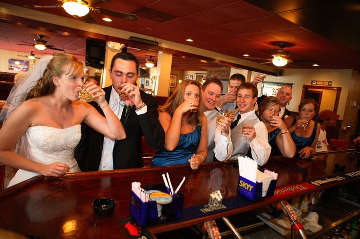 How to Navigate an Open Bar Wedding: 5 Foolproof Strategies