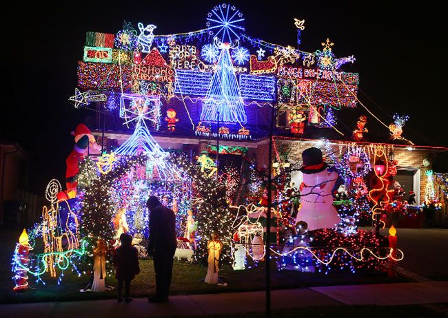 """Nov. 25 – Dec. 31: #Winter #Wonderland Project Presents #The Festival of Lights# Hyde Park, Hyde Park Blvd. & Pine Ave., Niagara Falls 5 – 10pm. Enjoy a dazzling display of holiday lights from the comfort of your car! To know more visit us @"