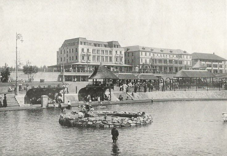 Children's Paddling Pond, Beach, Durban. ca. 1920