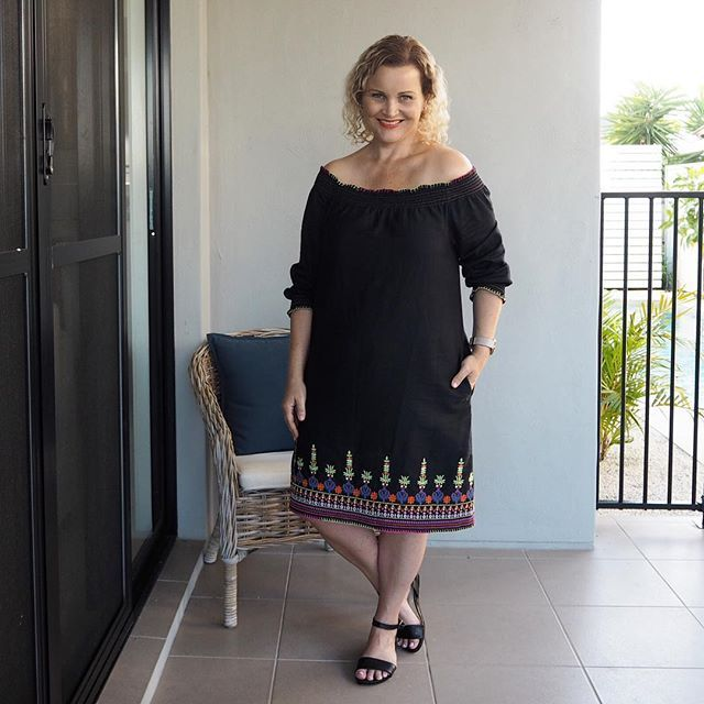 Appointments this morning & errands this afternoon. Not a very glam day but I made up for it by wearing my favourite OTS dress 💖 It's the Savannah from @adriftclothing (gifted) teamed it with sandals from @airflexshoes for today's #sharedmystyle  #myadriftstyle #everydaystyle