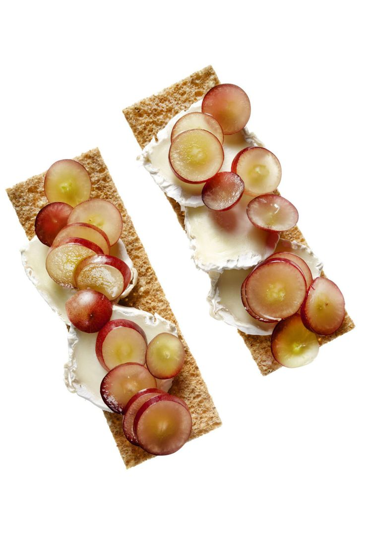 """Do you snack between meals? Relax:  the answer we're looking for is """"yes."""" Just stick to these low-calorie bites that are healthy, tasty, and easy to make."""